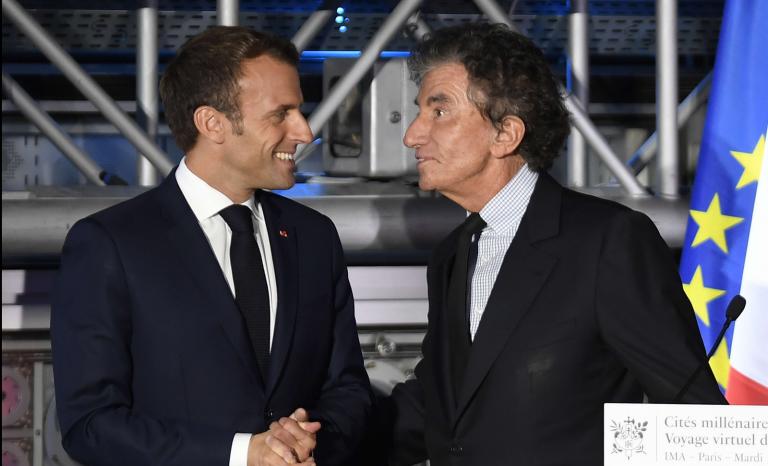 C'est tout bête, il manquerait à Emmanuel Macron un Jack Lang