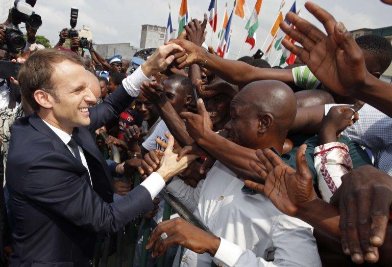 Macron: la faute d'Abidjan