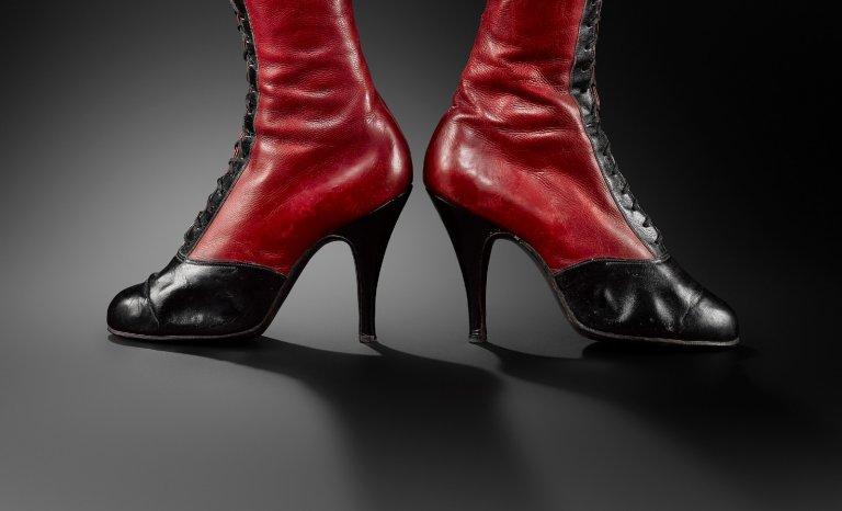 La chaussure prend son pied aux Arts décoratifs!