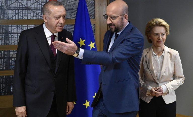 A l'est, un petit front s'organise contre Erdogan