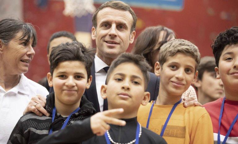 Emmanuel Macron invoque la République… et oublie la France