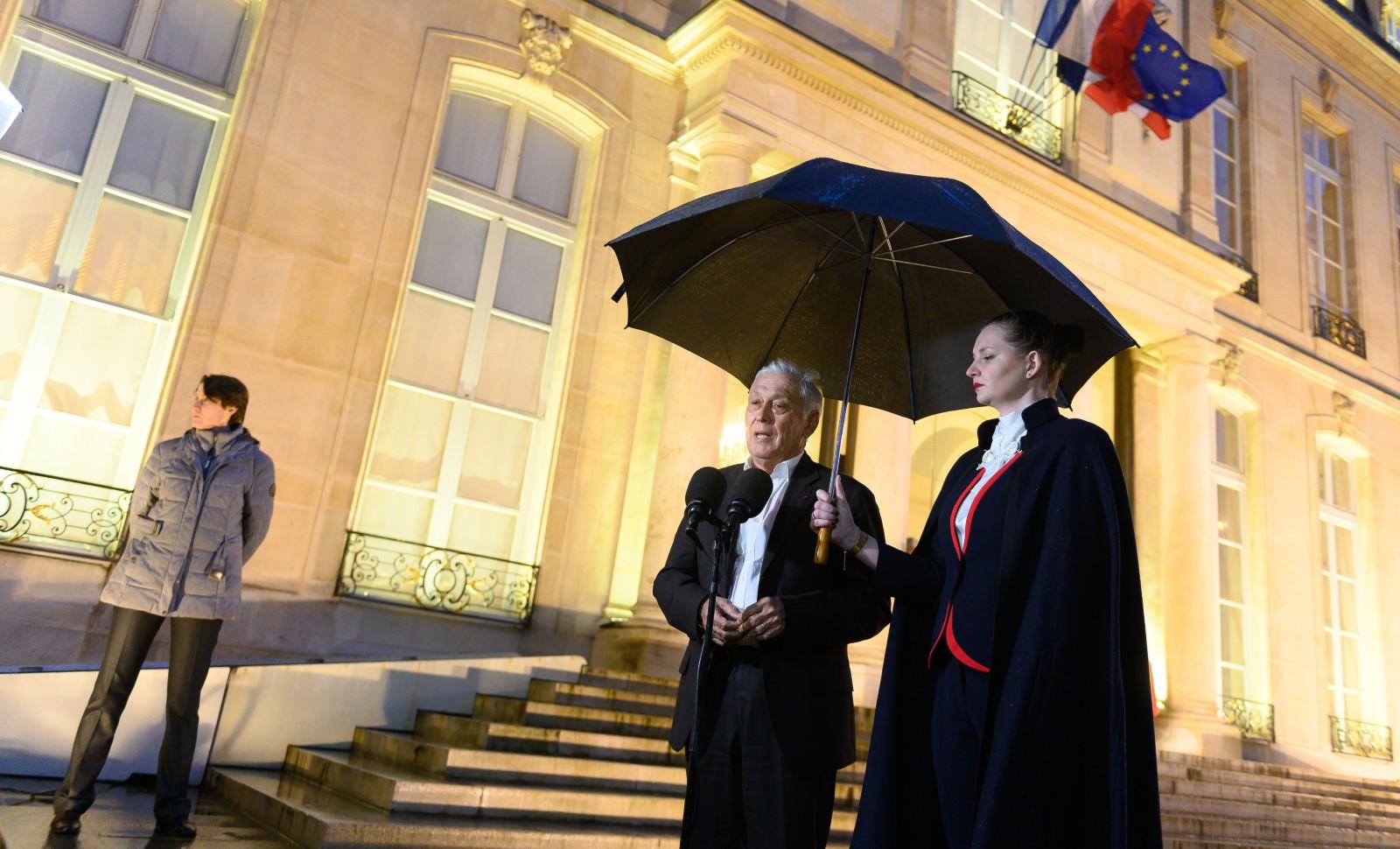 Le président du conseil scientifique sur le Covid-19, Jean-François Delfraissy, devant le palais de l'Elysée à Paris, le 5 mars 2020 © Jacques Witt/SIPA Numéro de reportage: 00948425_000018
