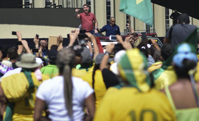 Covid-19: Bolsonaro condamné au confinement