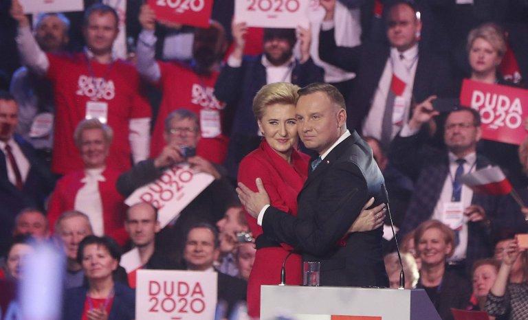 Pologne: Duda réélu dans un fauteuil?