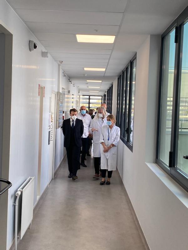 Emmanuel Macron rend visite au Pr Didier Raoult à Marseille, jeudi dernier. Image: capture d'écran compte Twitter du médecin
