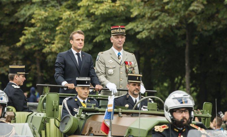 Les soignants sur les Champs-Élysées le 14 juillet? Drôle d'idée!