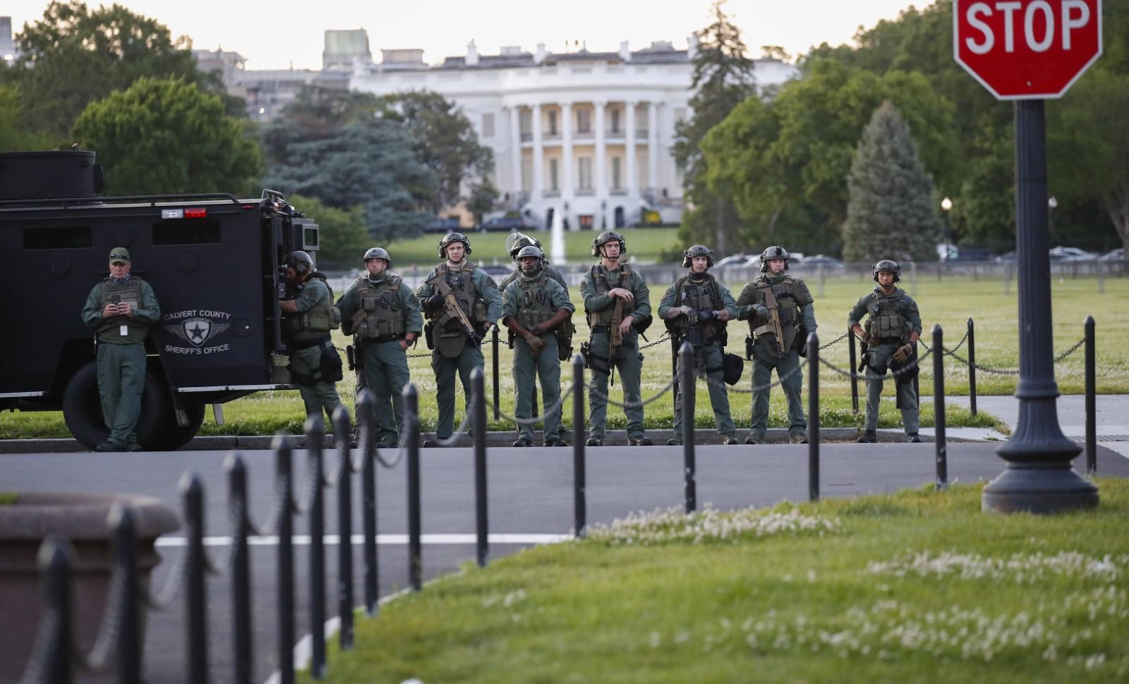 La Maison Blanche sous étroite surveillance alors que des émeutes raciales secouent l'Amérique, le 1 juin 2020 © Alex Brandon/AP/SIPA Numéro de reportage: AP22460216_000001