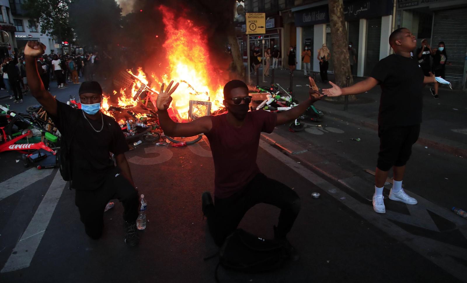 Le 2 juin, la manifestation du comité Assa Traoré dégénère à Paris © Michel Euler/AP/SIPA Numéro de reportage: AP22460788_000002