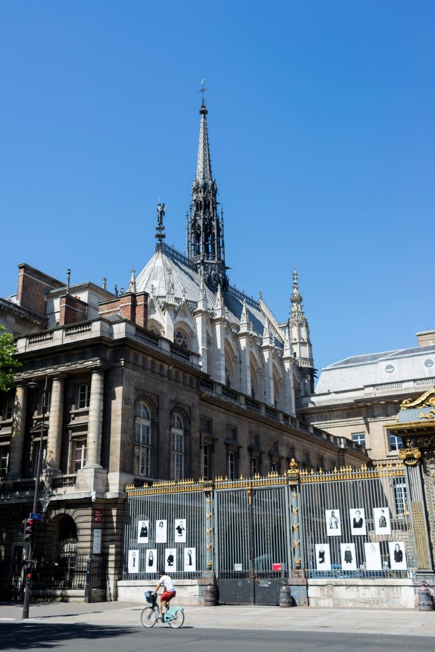 """La Sainte-Chapelle du Palais de Justice, élue par l'industrie touristique et la presse spécialisée comme """"alternative économique"""" à Notre-Dame-de-paris, juin 2020. Photo: Hannah Assouline"""