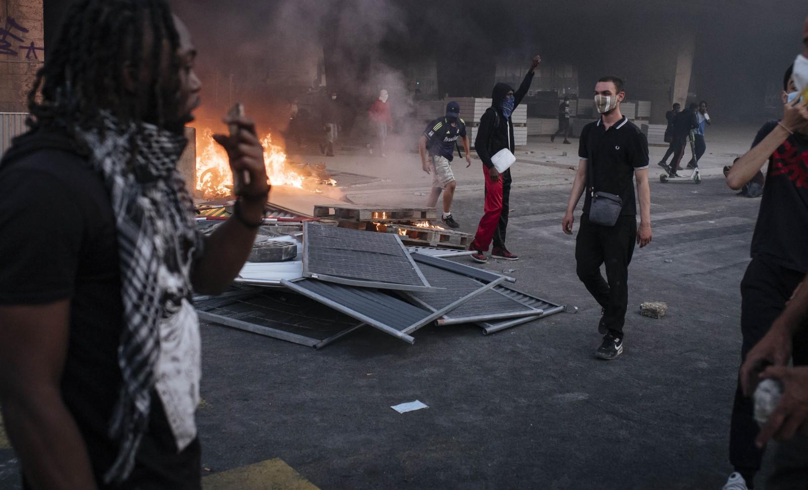 Emeute à Paris le 2 juin 2020, suite à la manifestation non autorisée en faveur de George Floyd et Adama Traoré © LEWIS JOLY/SIPA Numéro de reportage: 00965239_000046