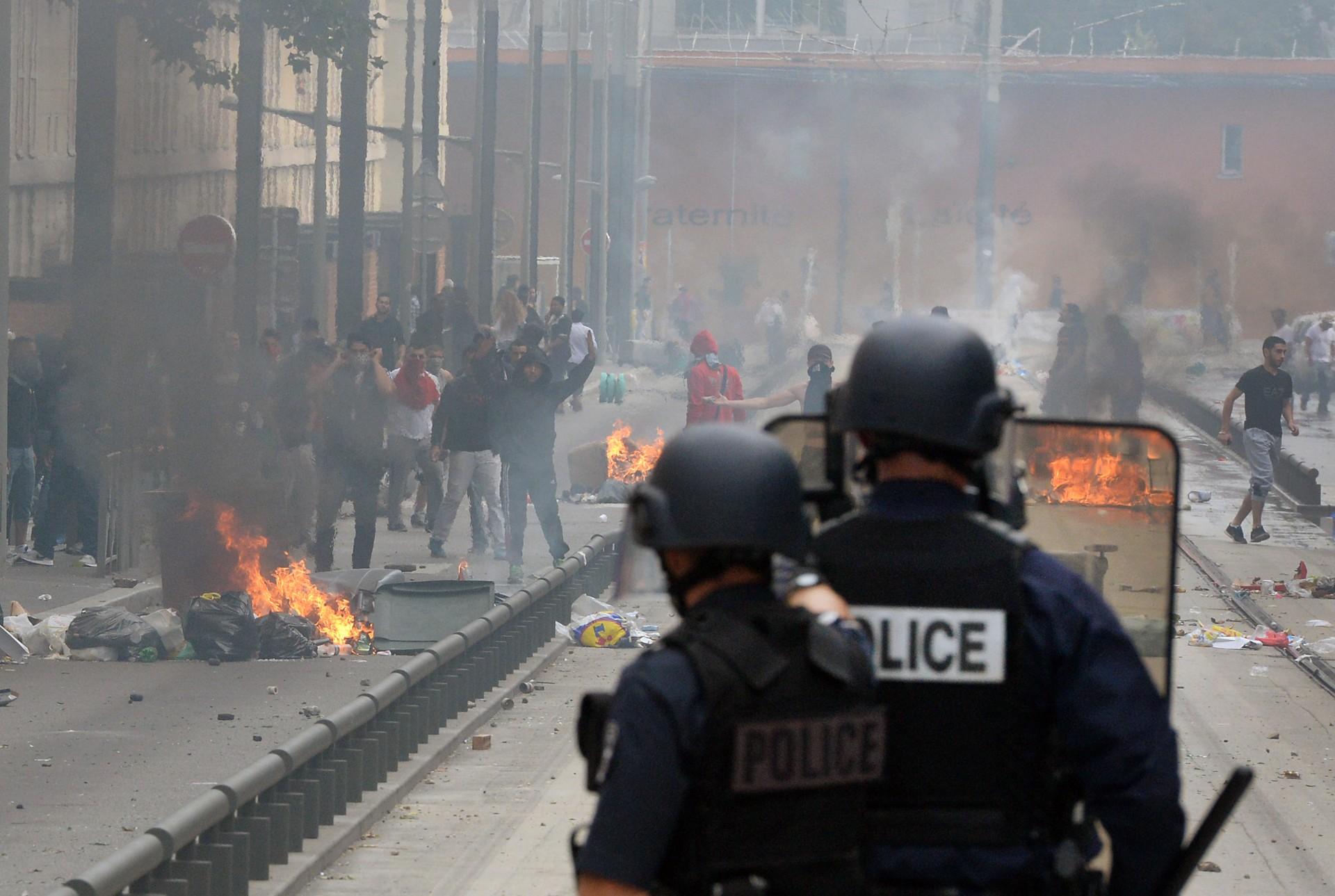 Scènes d'émeutes à Sarcelles, en marge d'une manifestation contre l'intervention militaire israélienne dans la bande de Gaza, 20 juillet 2014. © Crédit