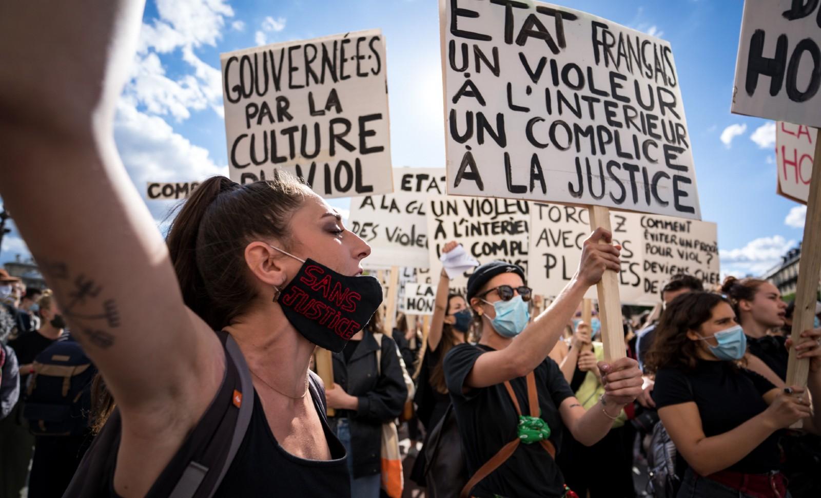 Militants féministes radicaux, le 10 juillet 2020 à Paris © Gabrielle CEZARD / BRST / SIPA Numéro de reportage: 00972106_000003