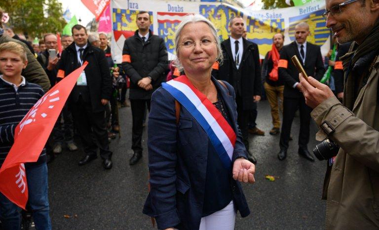 """Agnès Thill: """"Le tribunal des réseaux sociaux n'est autre que l'inquiétant gibet d'antan!"""""""