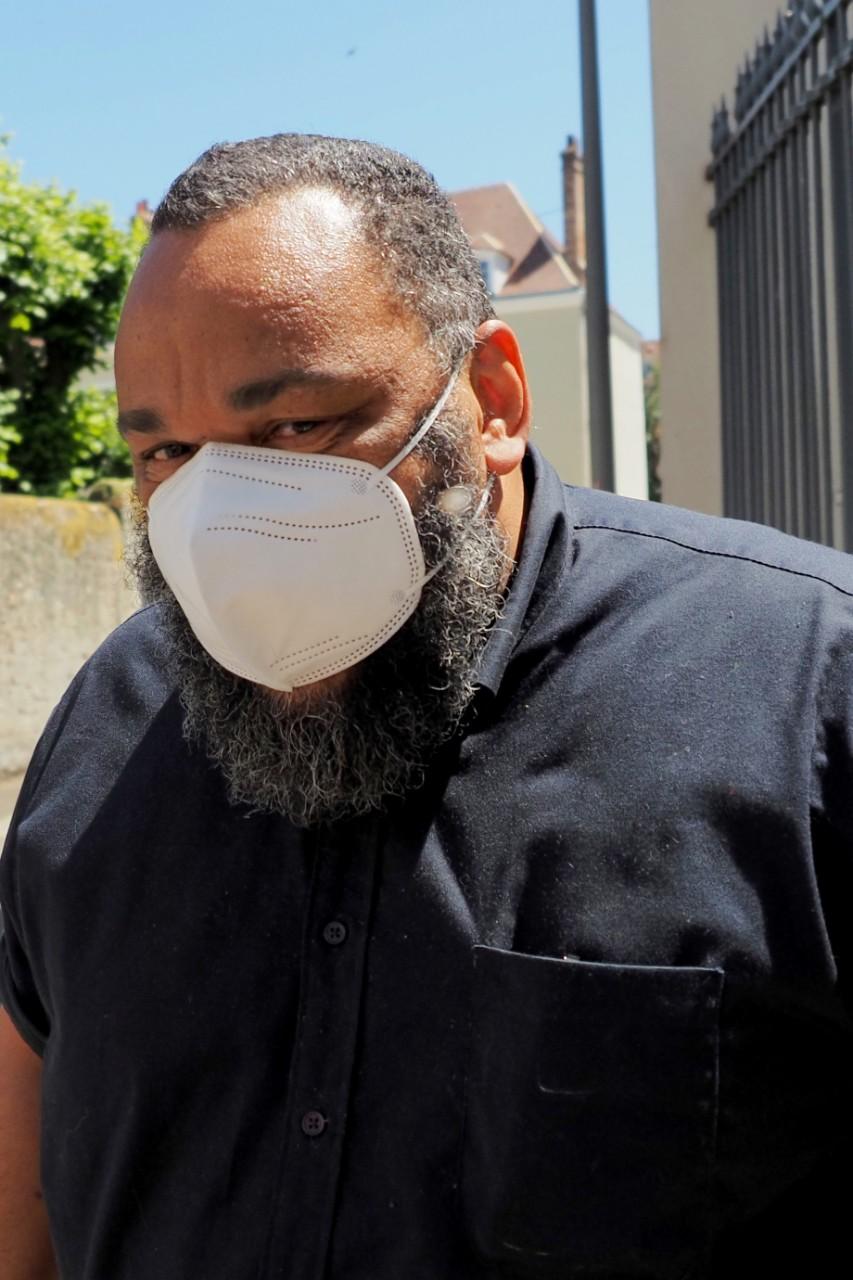 Dieudonné au tribunal de Chartres, jugé pour propos racistes et antisémites, 22 juin 2020 © Photo: Guillaume Souvant / AFP