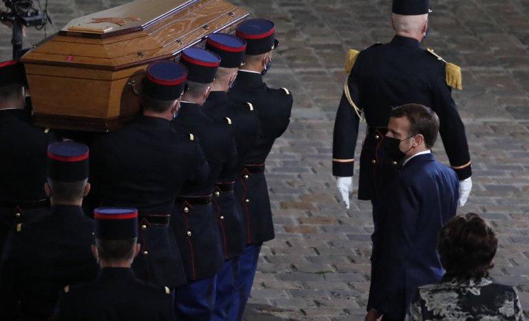 Après l'effroi, la France craint que Samuel Paty soit mort pour rien