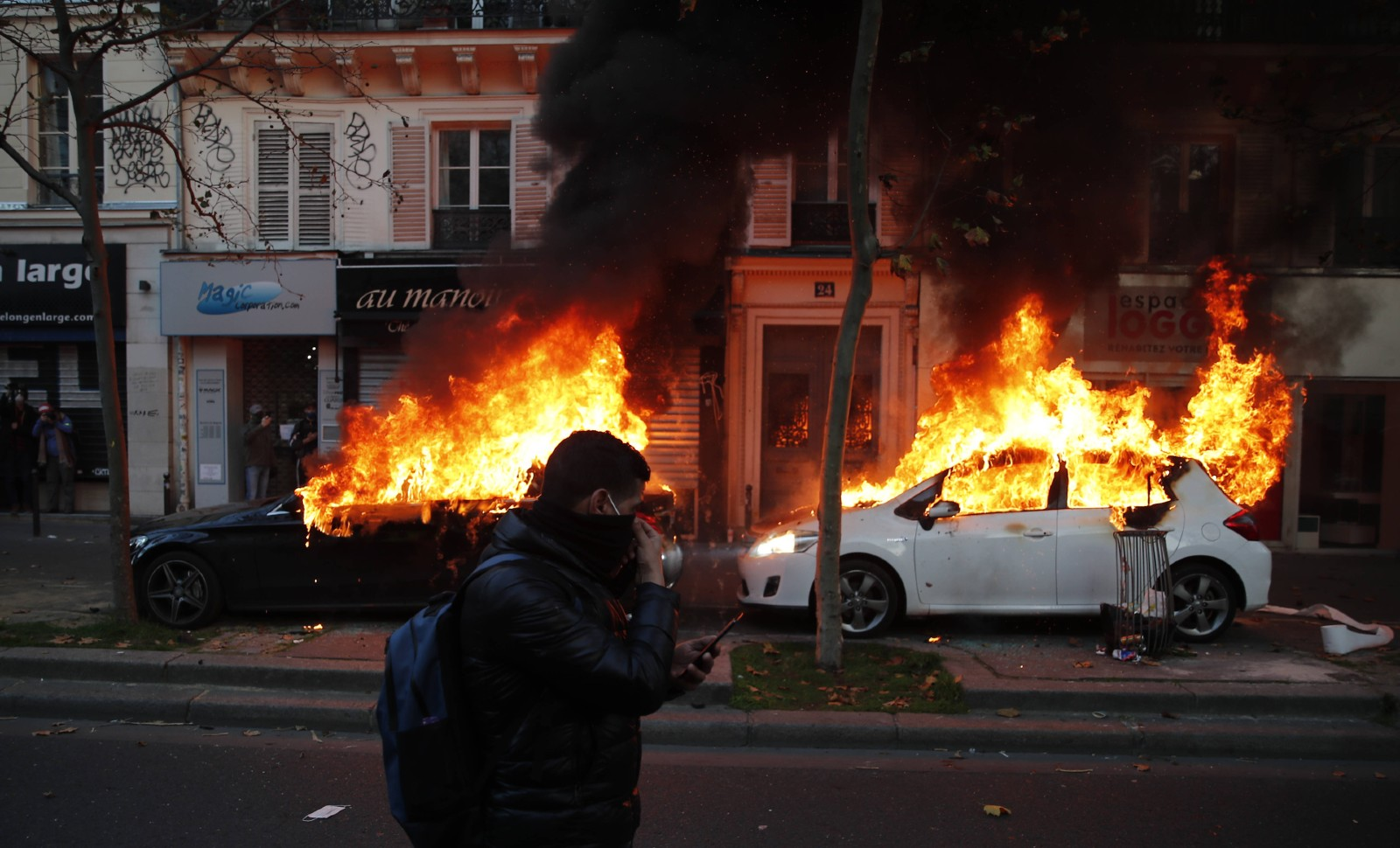Graves débordements lors des manifestations anti-police le 28 novembre 2020, Paris © Francois Mori/AP/SIPA Numéro de reportage: AP22517666_000025