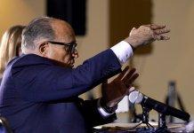 Rudi Giuliani, l'avocat de Trump, devant