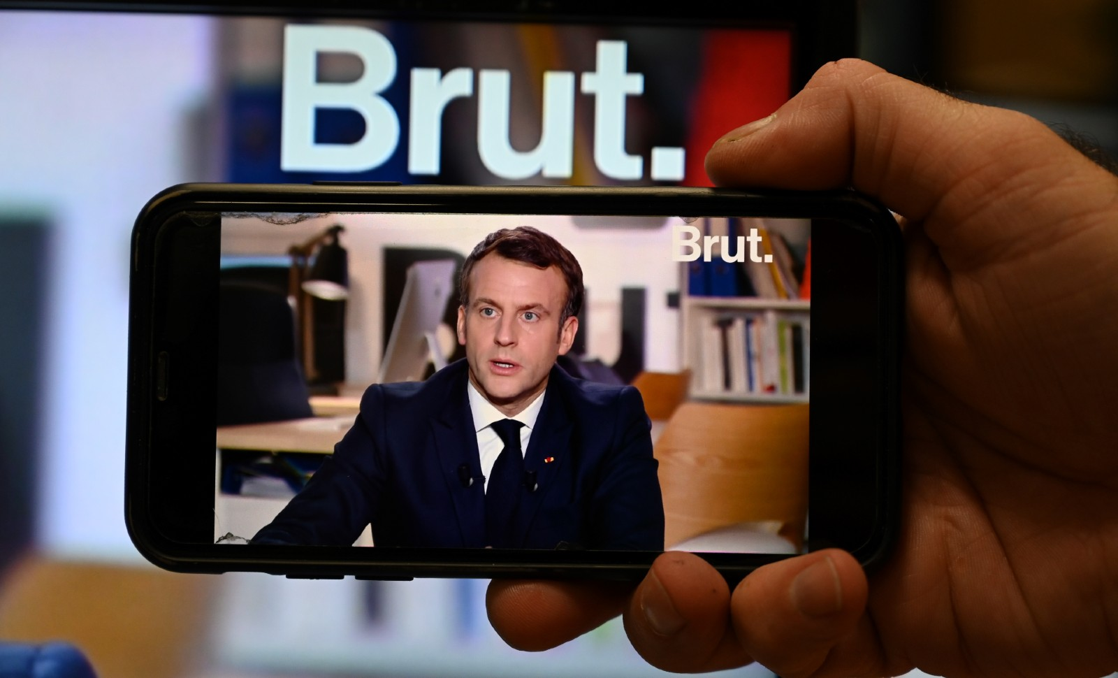 Emmanuel Macron lors de son interview accordée au média Brut © BERTRAND GUAY / AFP