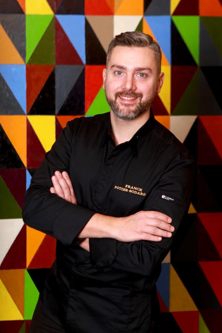 """Franck Potier-Sodaro, chef et sommelier du restaurant Sormani: jusqu'aux confinements, le """"Tout-Paris"""" se bousculait pour son carpaccio de bar à la poutargue, ses gnocchis au citron et au homard rôti. © Sormani"""