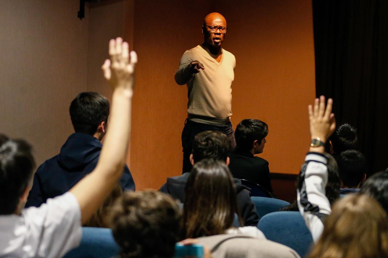 Lilian Thuram anime un atelier contre le racisme au lycée Laetitia-Bonaparte d'Ajaccio, 18 avril 2019. © Pascal Pochard-Casablanca/AFP