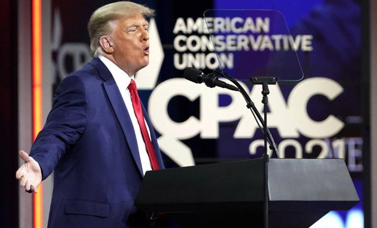Présidentielle 2024: Donald Trump y pense en se rasant