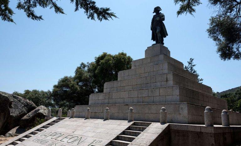À Ajaccio, la repentance autour du bicentenaire de la mort de Napoléon agace