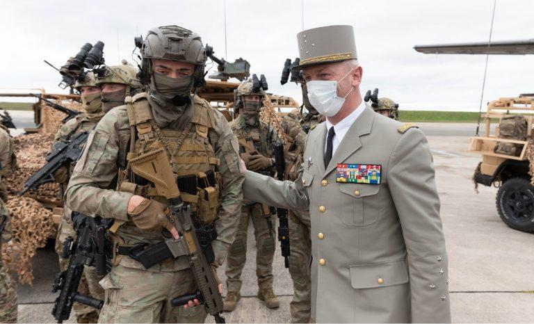 Oui, les militaires ont un perpétuel devoir de réserve!