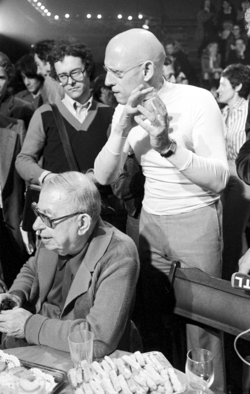 Jean-Paul Sartre et Michel Foucault rencontrent des dissidents soviétiques, juin 1977. © DESPATIN && GOBELI/Opale/Leemage