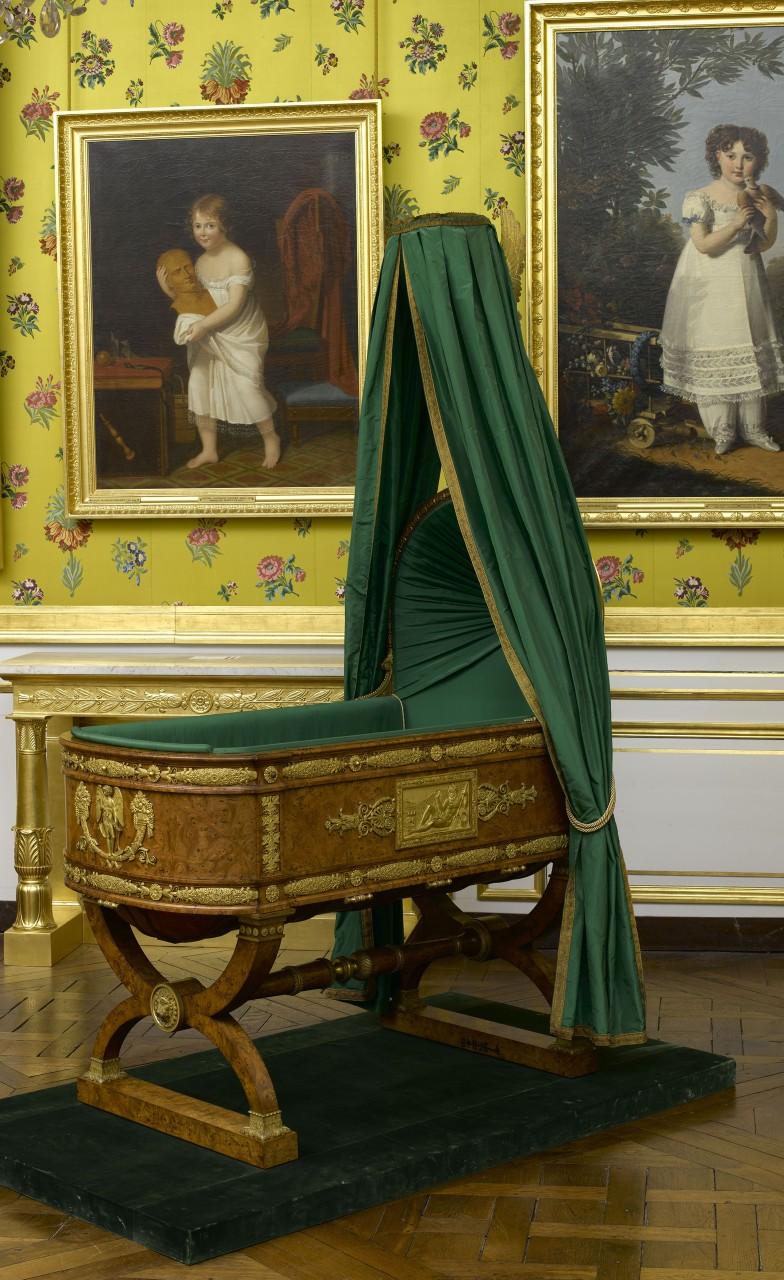 """""""Berceau du roi de Rome aux Tuileries"""", Thomire, Duterme et Cie, 1811 © RMN - Grand Palais (château de Fontainebleau) / Gérard Blot"""