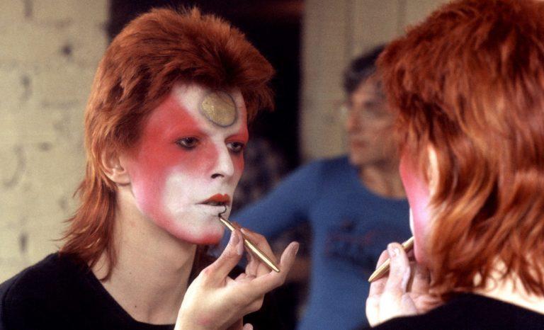 De David Jones à David Bowie