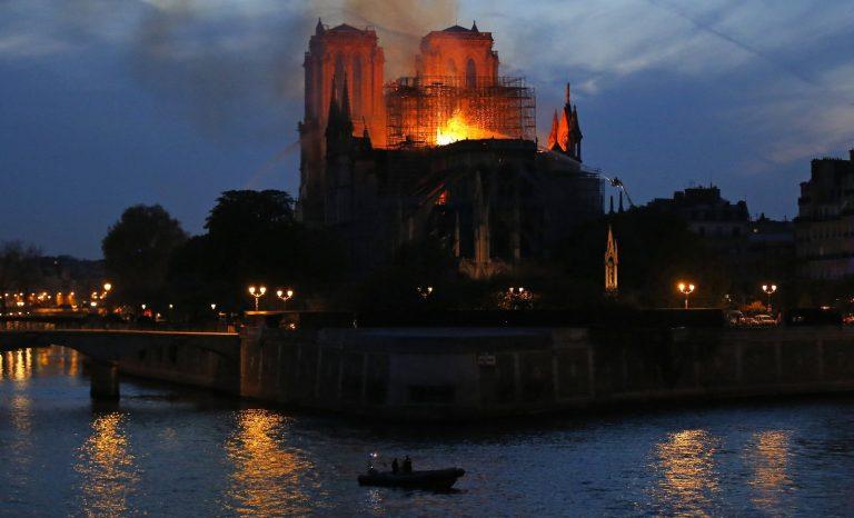 La nuit de Notre-Dame par ceux qui l'ont sauvée