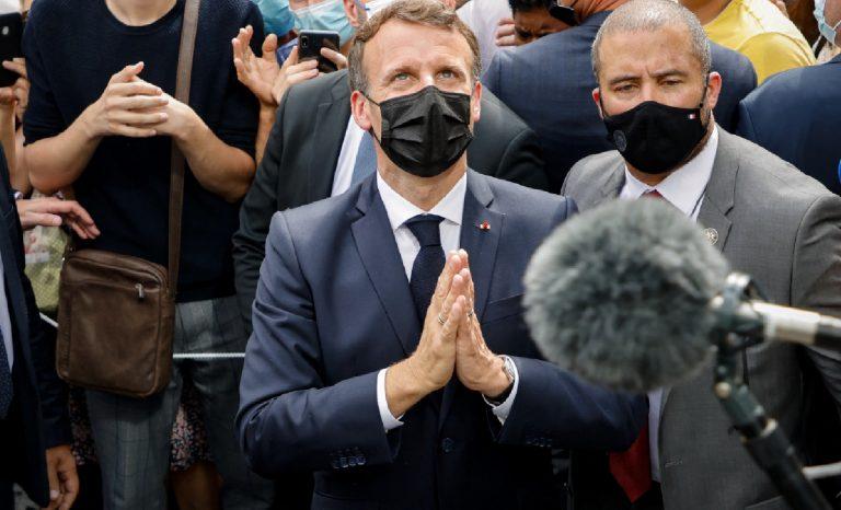 Macron à Lourdes: un drôle de pèlerin