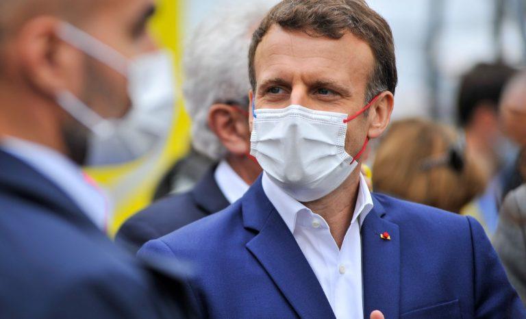 Emmanuel Macron et le passe sanitaire, l'autoritarisme au lieu de l'autorité