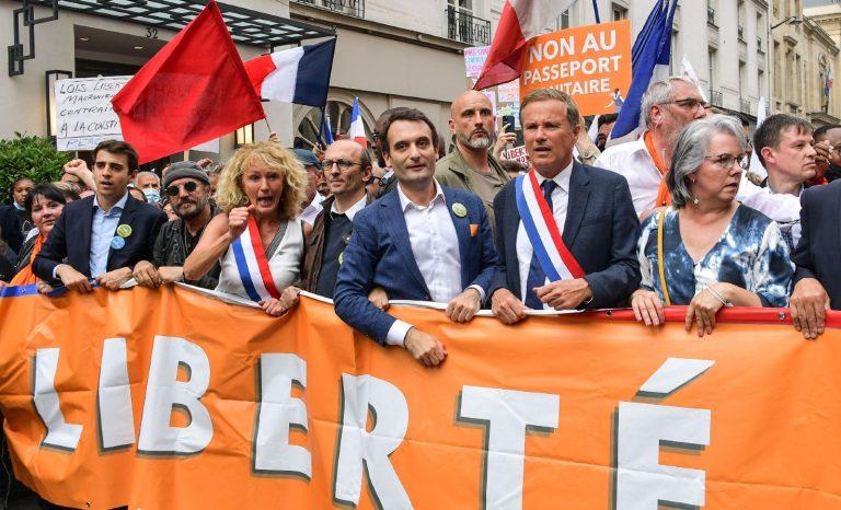 Manifestation contre le passe sanitaire: une manif de droite?