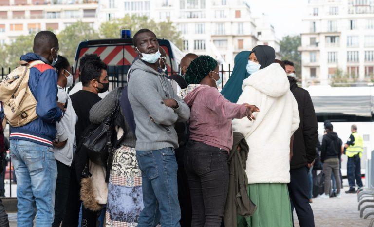 """Soins aux clandestins: une """"anomalie"""" à 1.5 milliard d'euros"""