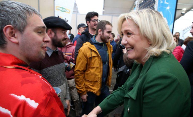Pourquoi Marine Le Pen demeure au centre de gravité de l'arc politique français
